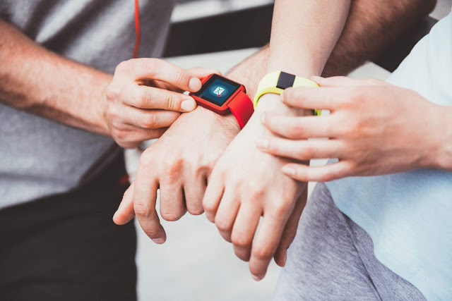 Choosing the best fitness tracking device for you